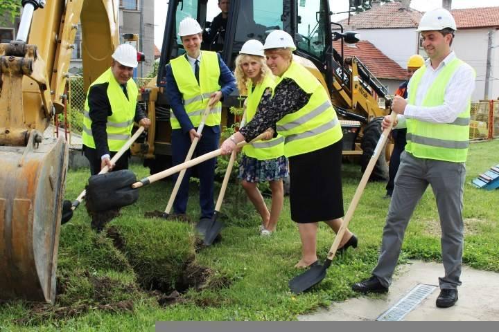Стартира втори етап на най-мащабните ремонтни дейности в сферата на образованието в Панагюрище